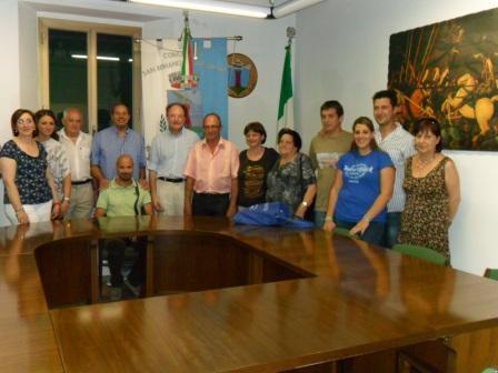 il_sindaco_mariani_riceve_i_cittadini_affettivi_dalla_corsica.JPG