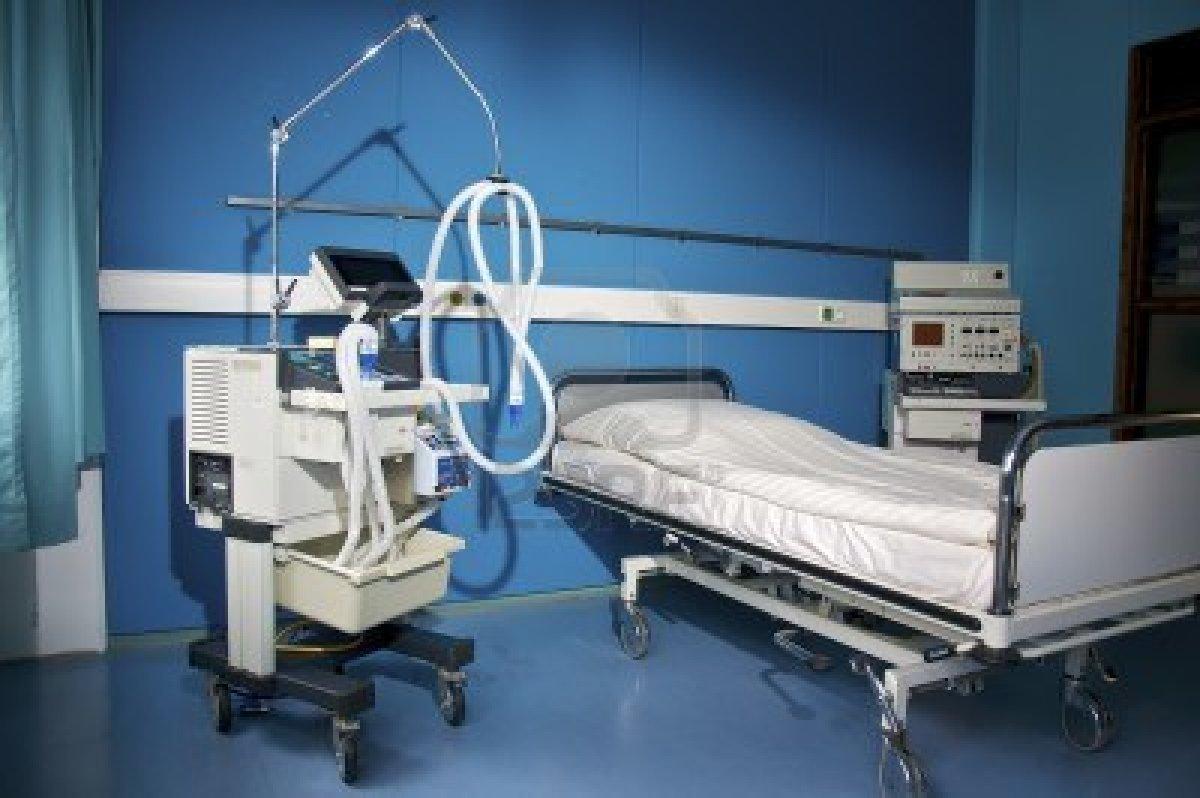 10004029_una_stanza_d_39_ospedale_con_dispositivi_medici.jpg